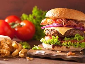Nyam! Burger dan Bakso Serangga akan Segera Dijual di Supermarket Swiss