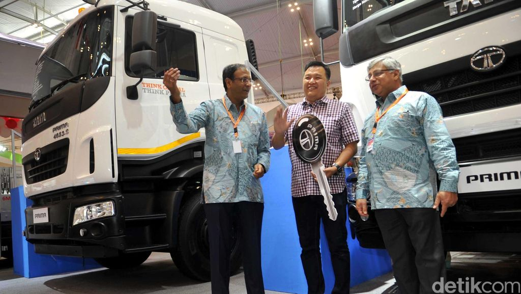 Tata Motors Ramaikan GIIAS 2016