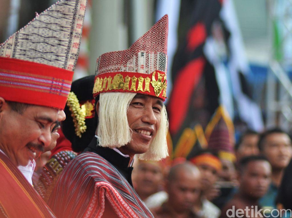 Jokowi Bakal Pakai Baju Adat Sunda di Karnaval Kemerdekaan