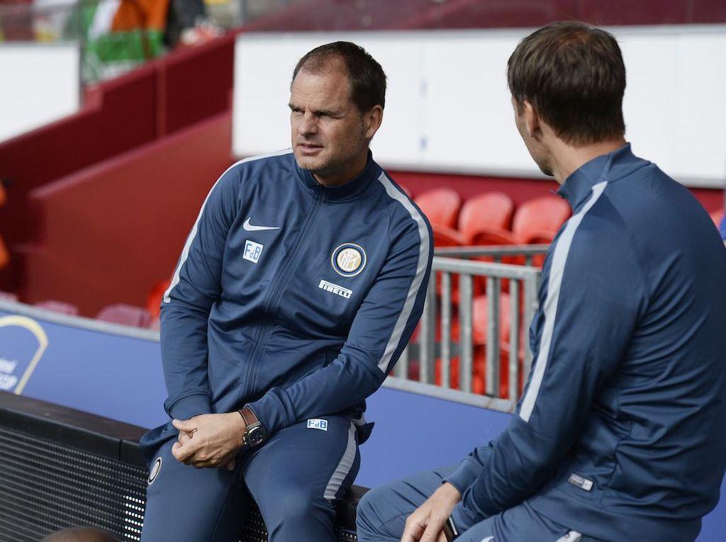Ronald de Boer: Frank Hadapi Banyak Masalah di Inter