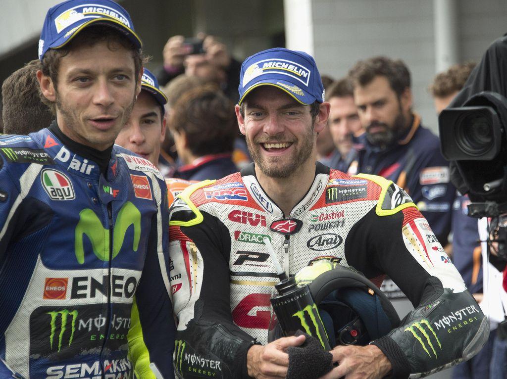 Crutchlow: Rossi Sumber Motivasi Bersaing dengan Rider Muda