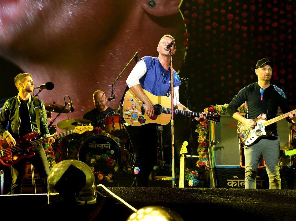 Melihat Perjalanan 20 Tahun Coldplay dari Kacamata Sang Sutradara