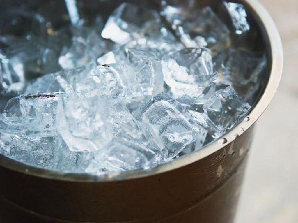 Viral Soal Berendam Air Dingin Bisa Melancarkan Peredaran Darah, Benarkah?