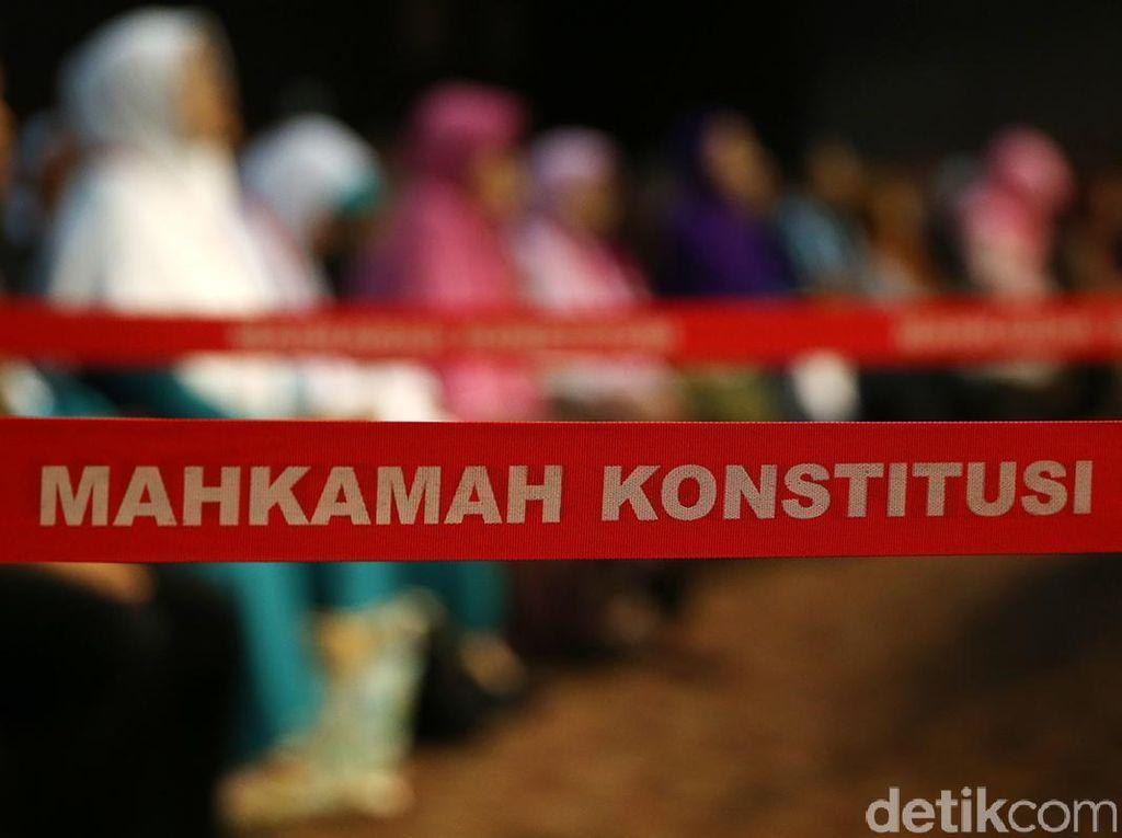 DPR Mulai Fit and Proper Test Calon Hakim Konstitusi