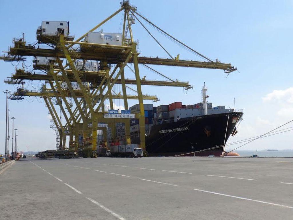 Tarif Layanan di Pelabuhan Tanjung Perak Lebih Murah dari Singapura