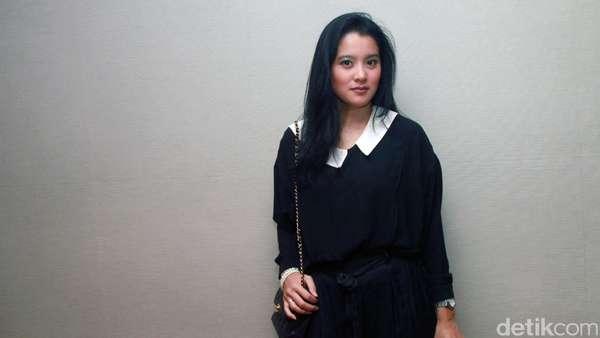 Black vs White! Gaya Marcella Zalianty dan Donita