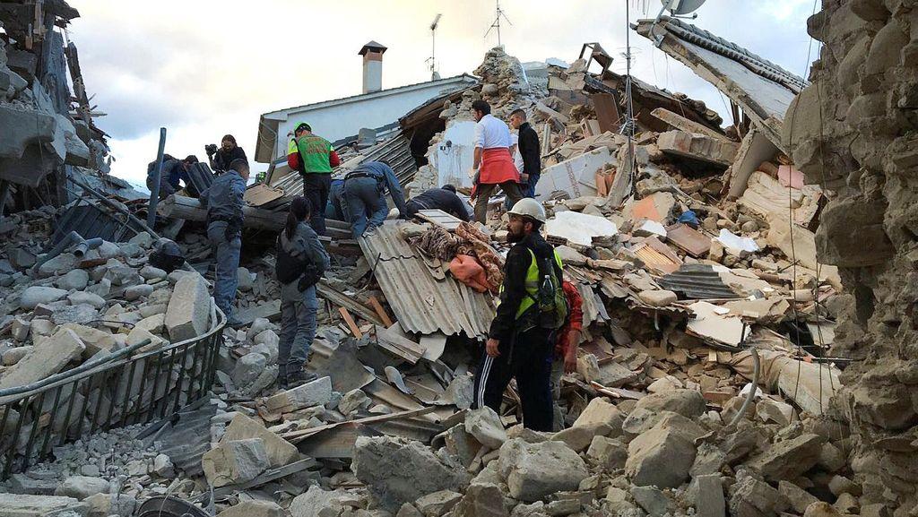 Korban Jiwa Akibat Gempa di Italia Bertambah Jadi 18 Orang