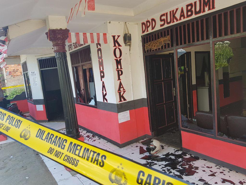 Diduga Gara-gara Proposal, Kantor LSM di Sukabumi Diserang Pemotor Bersajam
