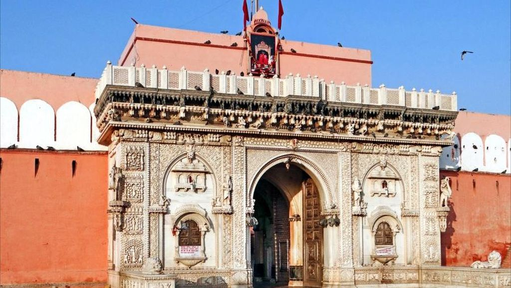 5 Kuil Menakjubkan di Negeri Bollywood