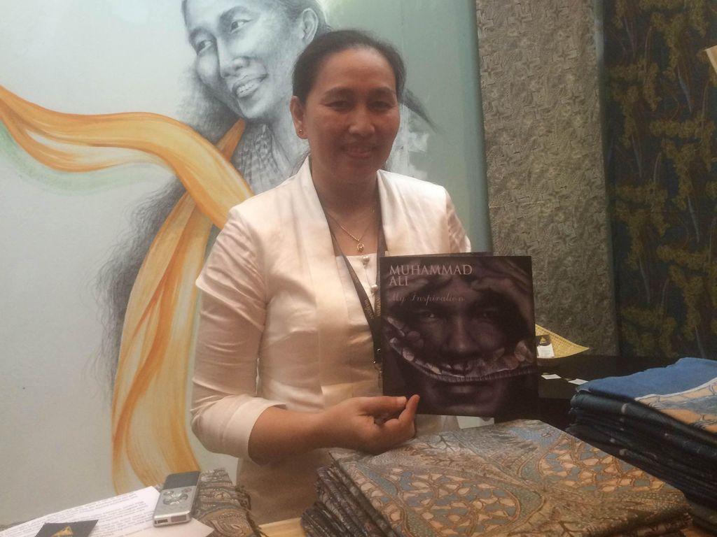 Muhammad Ali Jadi Inspirasi Desainer Ini Buat Kain Batik Motif Sarung Tinju
