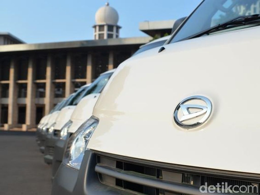 Ada Suzuki Carry Bermesin Ertiga, Daihatsu Granmax Terancam?