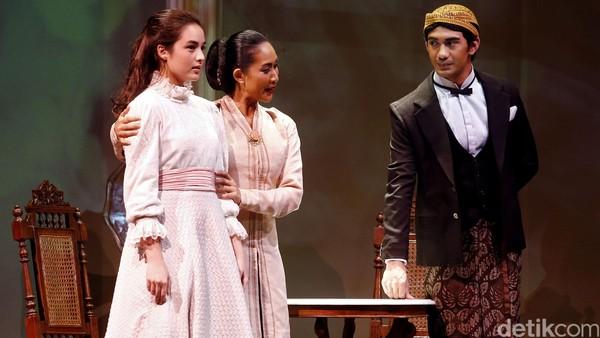 Opera Kecoa Hingga Bunga Penutup Abad, Ini 10 Seni Pertunjukan Terhot