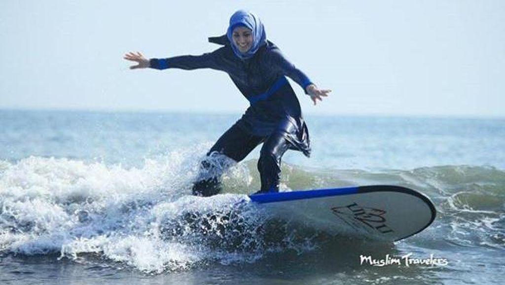 Pamer Foto Pakai Burkini di Pantai, 2 Hijabers Ini Kritik Prancis