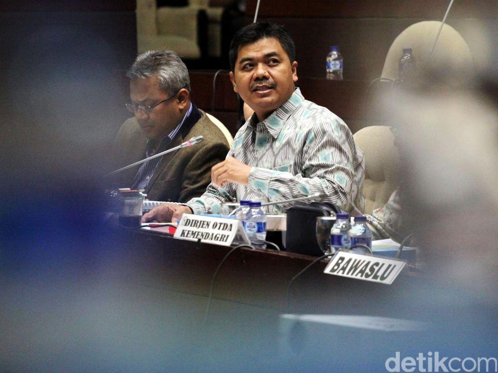 PDIP: Terpidana Percobaan Bisa Maju Pilkada, Rapat Komisi II Ala Koboi