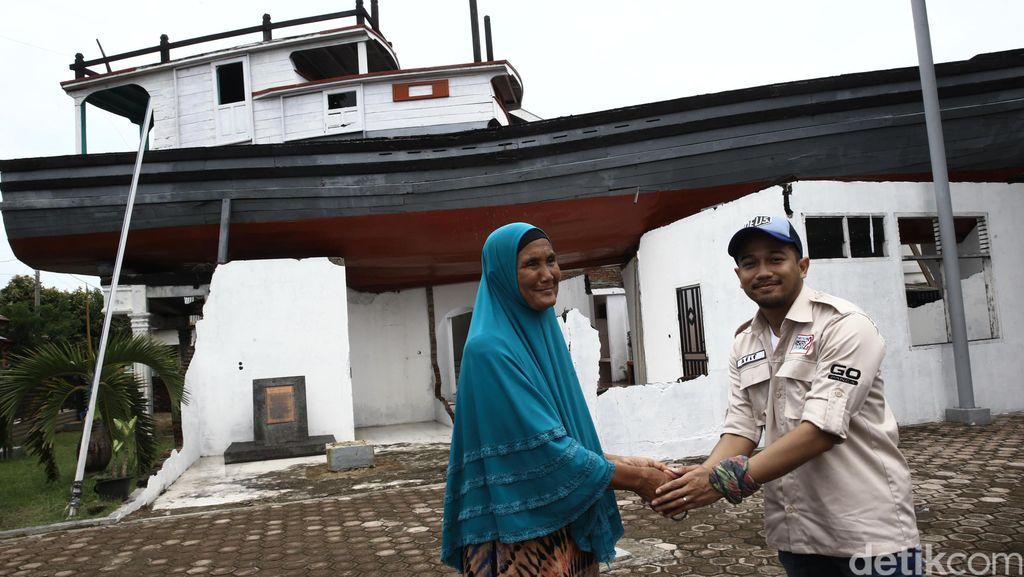 Kisah Nenek Bundiah Selamat dari Tsunami Aceh dengan Menaiki Kapal di Atas Rumah