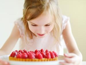 Agar Gigi si Kecil Tak Mudah Berlubang, Perhatikan 4 Hal Ini Saat Anak Makan