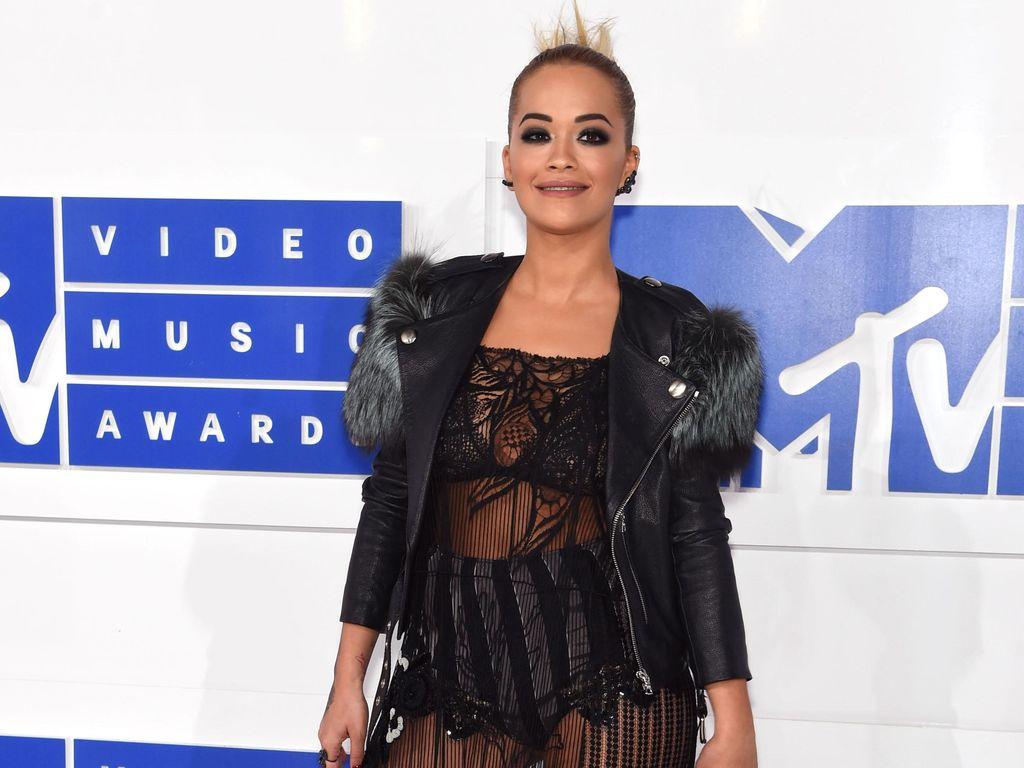 Foto: 5 Selebriti dengan Busana Terburuk di MTV Video Music Awards 2016