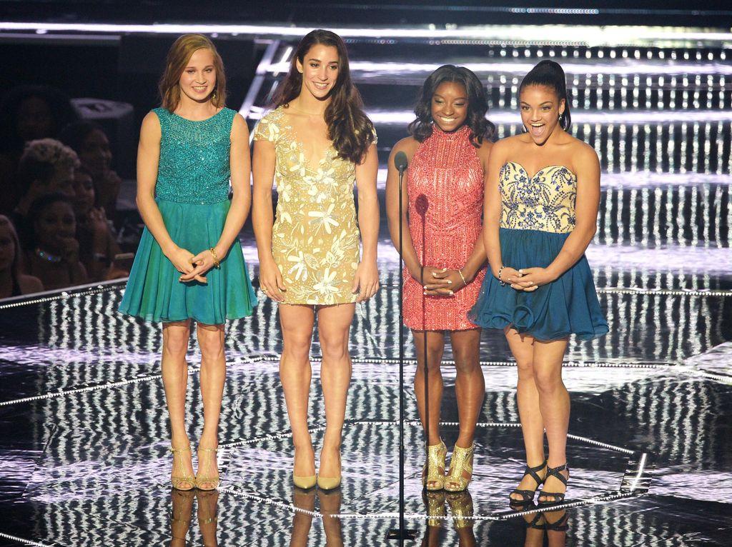 Jadi Bintang Tamu MTV VMA 2016, Atlet Senam Olimpiade AS Tampil Warna-warni