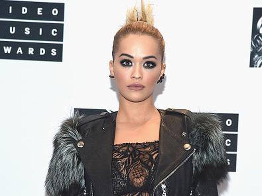Foto: 6 Selebriti dengan Makeup Dramatis di Karpet Merah MTV VMA 2016