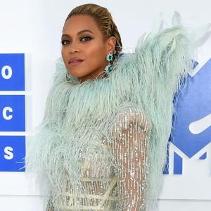 Hobi Baru Beyonce: Menanam Dolar di Startup!