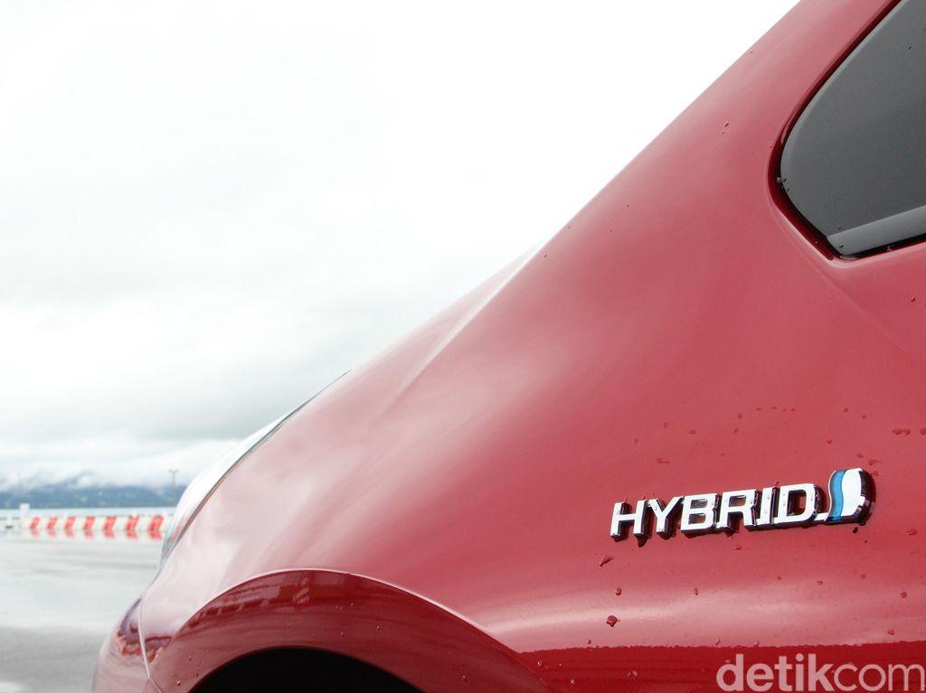 Beri Banyak Keuntungan, Mobil Hybrid Bisa Laris di Indonesia