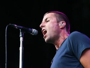 Liam Gallagher Buka Suara Tentang Pecahnya Beady Eye