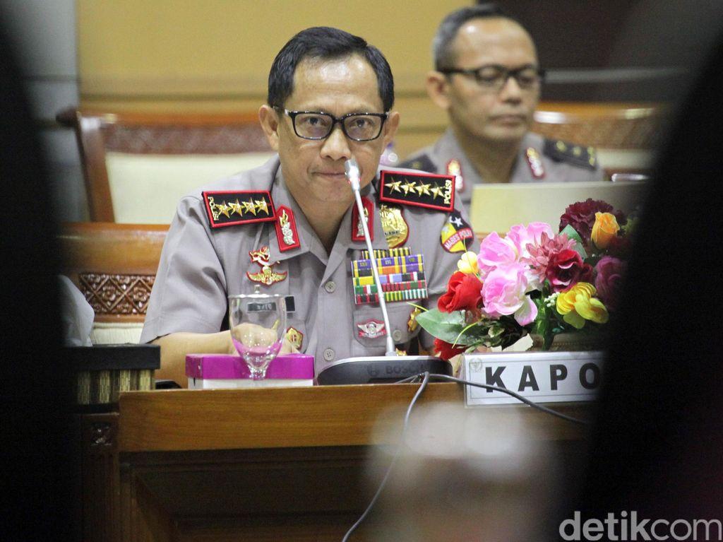 Kapolri Rapat dengan Pansus RUU Terorisme