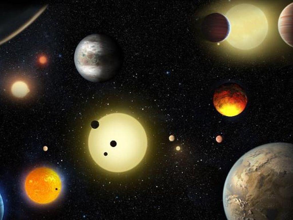 Tak Hanya Planet Mars yang Hiasi Gerhana Bulan