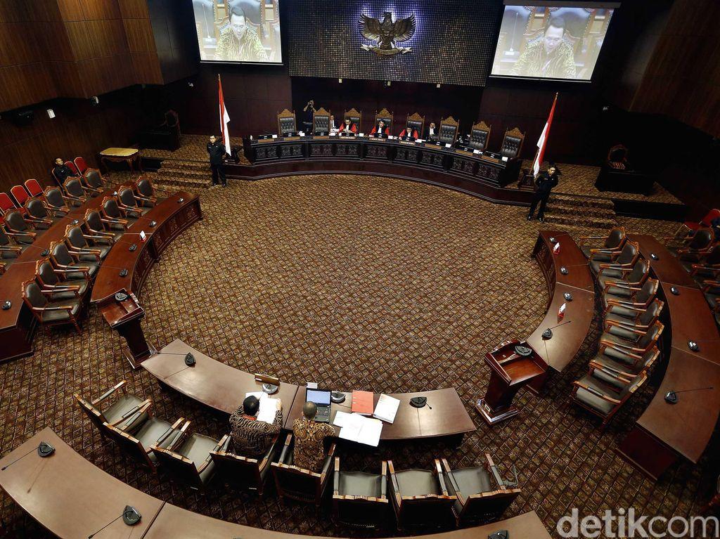 MK Tegaskan Praperadilan Gugur Bila Pokok Perkara Mulai Disidangkan