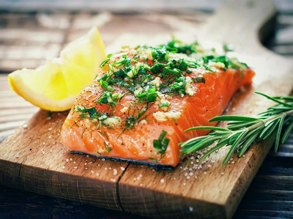 Studi: Kandungan Omega-3 pada Ikan Salmon Mulai Berkurang Drastis