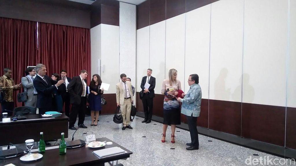 Bertemu Bambang, Ratu Belanda Bicara e-KTP Hingga Tabungan Pos