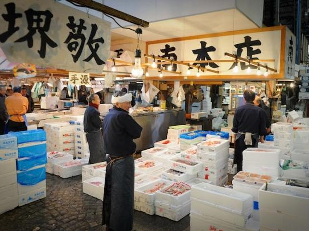 Tokyo Tunda Relokasi Pasar Ikan Tsukiji