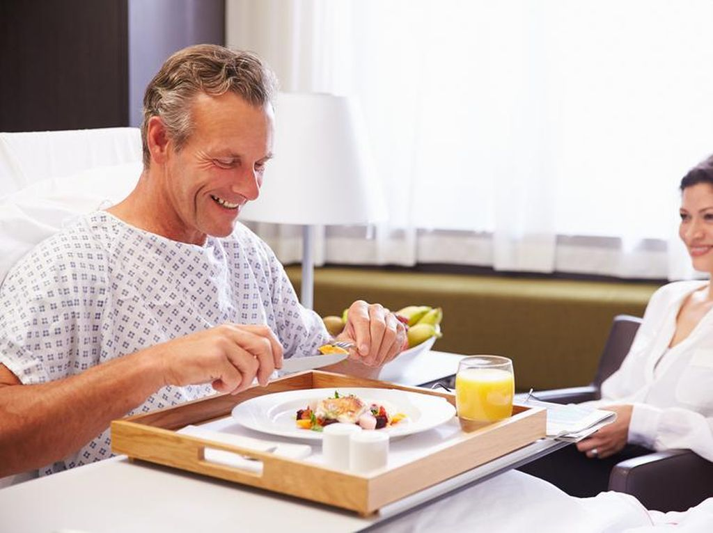 Agar Makanan Enak, Chef dan Ahli Gizi Bekerjasama Sajikan Makanan Pasien