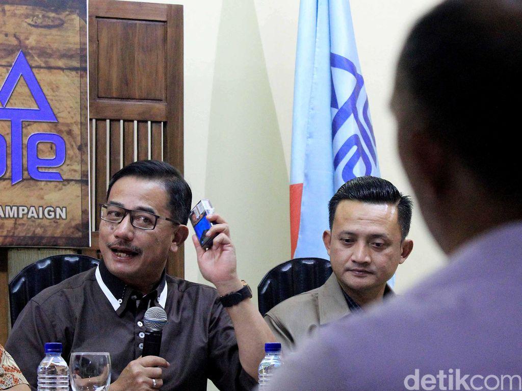 Diskusi Kontroversi Politik Tembakau