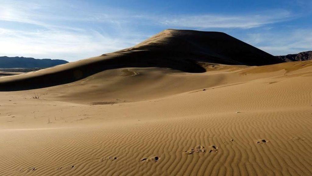 Potret Gurun Pasir Bernyanyi Kazakhstan
