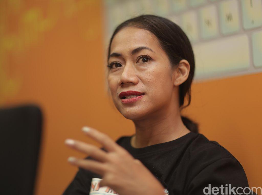 Nia Dinata, Soal Perempuan dan Gossip Girl Indonesia