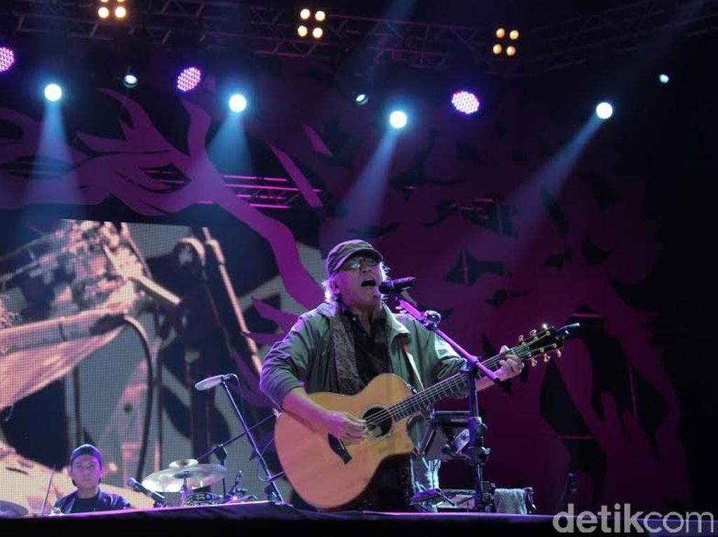 Lirik dan Chord Bung Hatta oleh Iwan Fals
