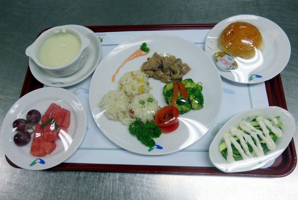 Beef Goulash Dan Ayam Hainan Untuk Pasien Sakit Ginjal Dan Diabetes