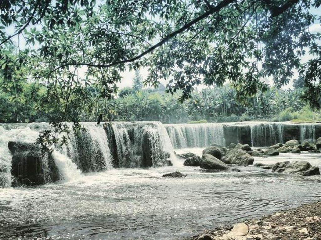 Bukan di Tol Becakayu, Ini Air Terjun Asli dari Bekasi