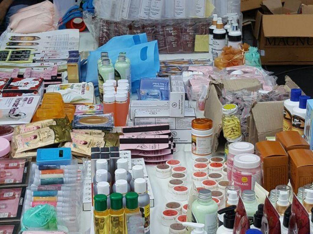 Ribuan Kosmetik Ilegal di Kalteng Disita Petugas