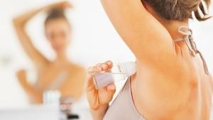 Benar <i>Nggak</i> Sih Pakai Deodoran Bisa Picu Kanker Payudara?