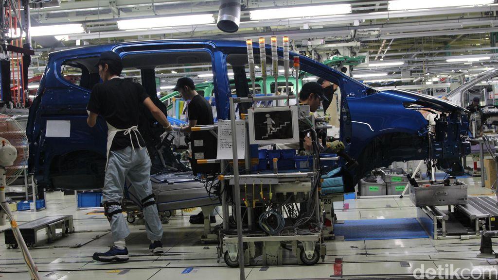 Melongok Pabrik Sienta di Jepang