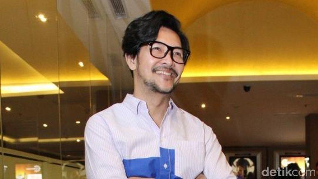 Doyan Olahraga, Ferry Salim Tularkan Hidup Sehat ke Istri