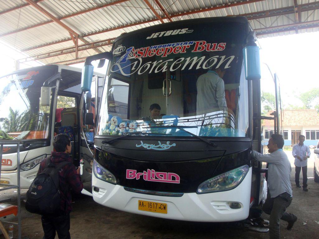 Ini Dia Interior Sleeper Bus Pertama di Indonesia