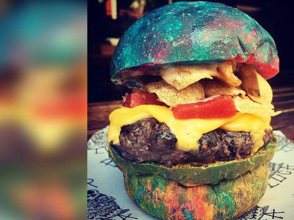 Beauregard Burger, Burger dengan Warna Pelangi Ini Diracik untuk Kenang Willy Wonka