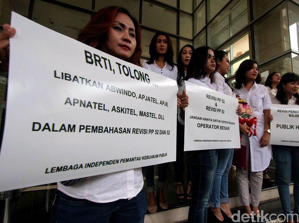 Belasan Wanita Demo di BRTI