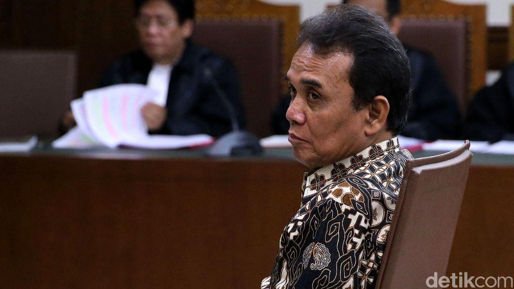 Panitera PN Jakpus Edy Nasution Divonis 5,5 Tahun Bui