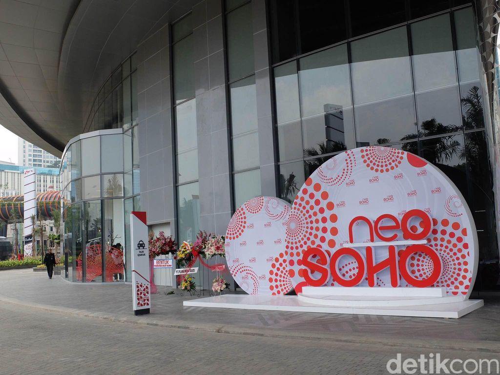 Neo Soho, Mal Pertama di Indonesia yang Dilengkapi Akuarium Raksasa
