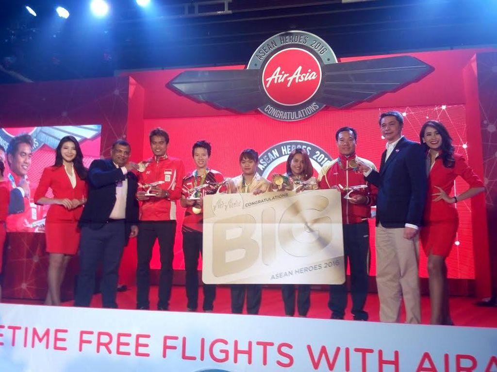 Atlet-atlet Indonesia Peraih Medali Olimpiade Resmi Pegang Tiket Terbang Gratis