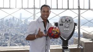 Debut Ronaldinho sebagai Penyanyi Solo